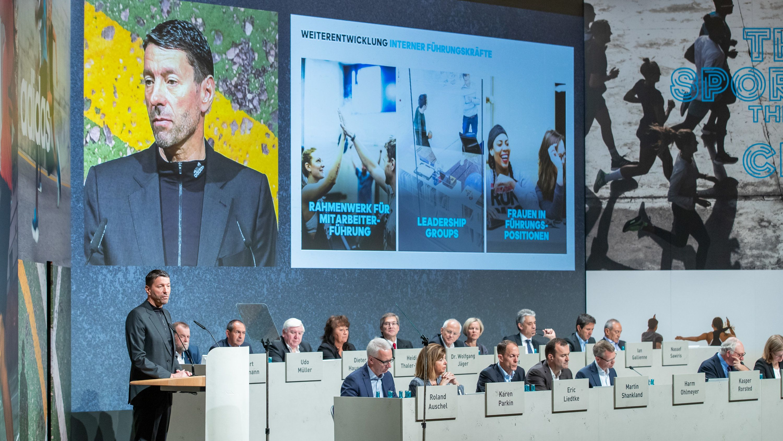 Vorstandsvorsitzender Kasper Rorsted spricht bei der Hauptversammlung in Fürth