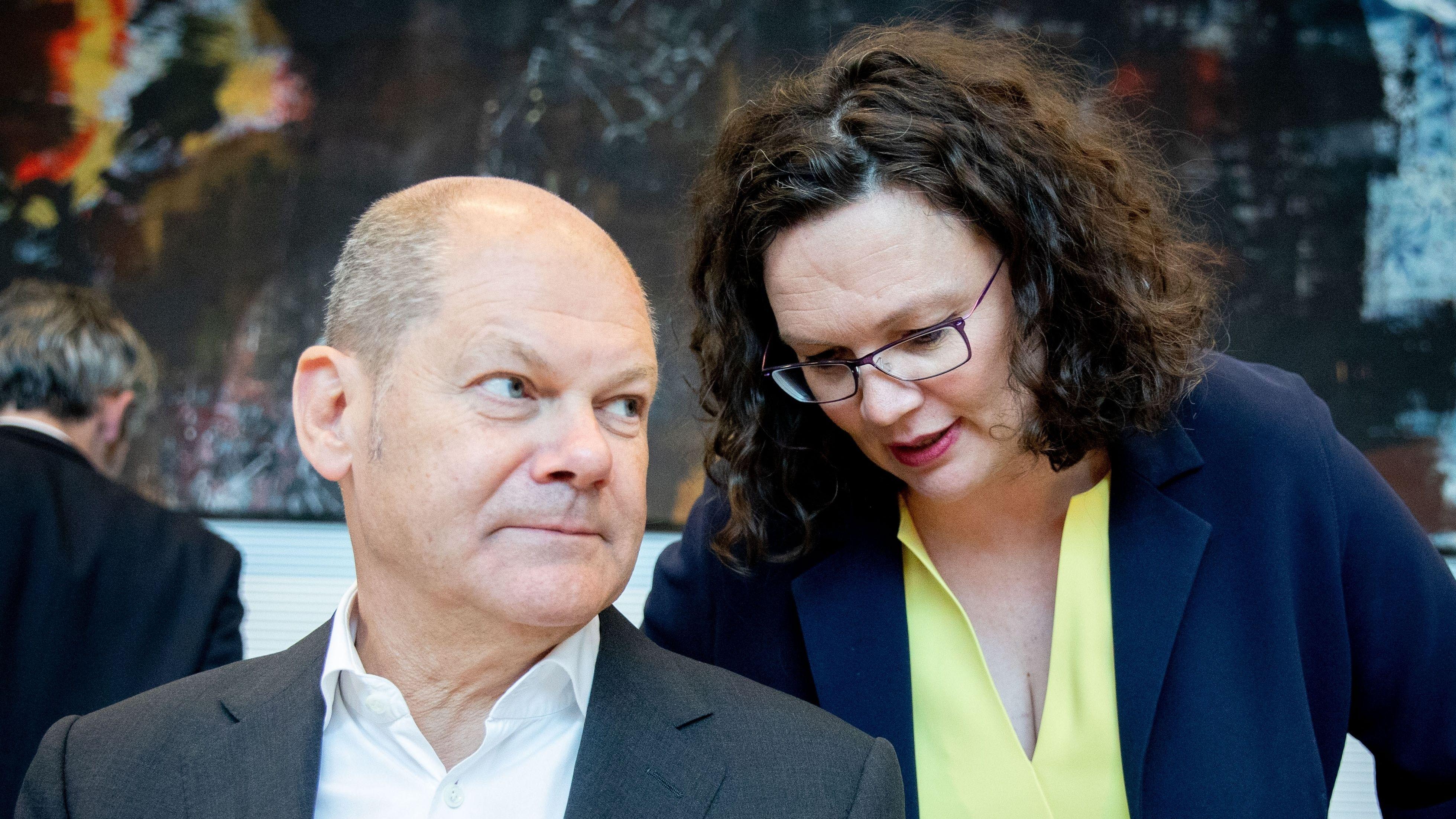 Olaf Scholz und Andrea Nahles bei SPD-Fraktionssitzung im Willy-Brandt-Haus im Mai