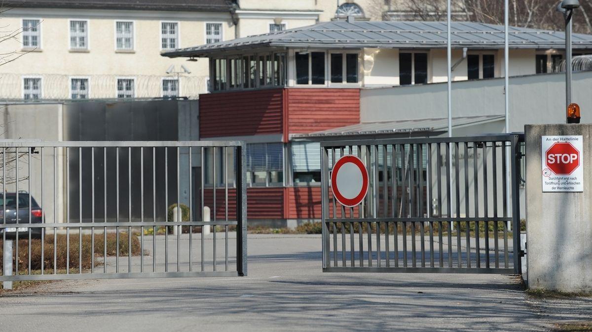 Eingangstor der Justizvollzugsanstalt Bernau