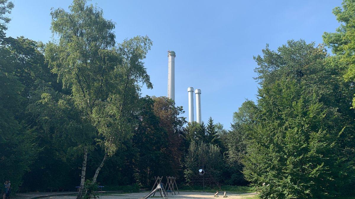 Kamine des Heizkraftwerks Süd.
