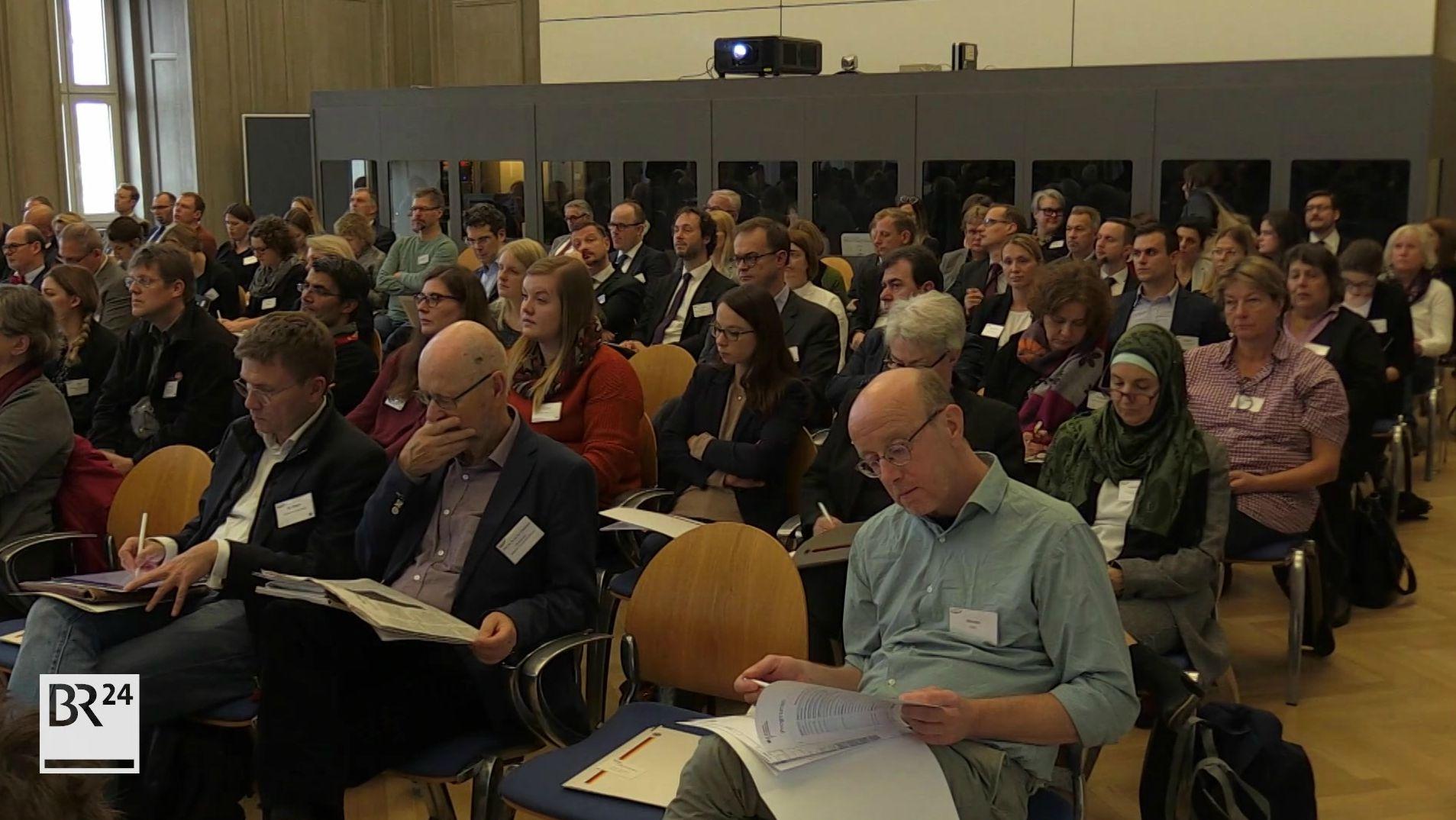 Nürnberger Tage für Migration: Experten üben Kritik