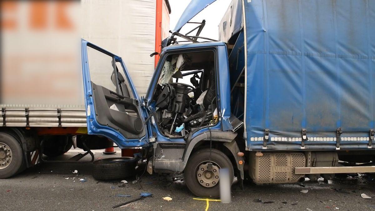 Tödlicher Unfall zweier Lastwagen auf der A3 bei Deggendorf.