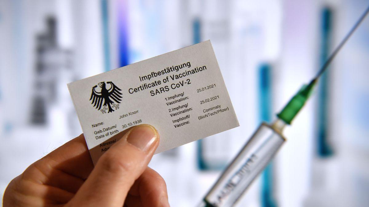 Symbolfoto: Digitaler Impfpass