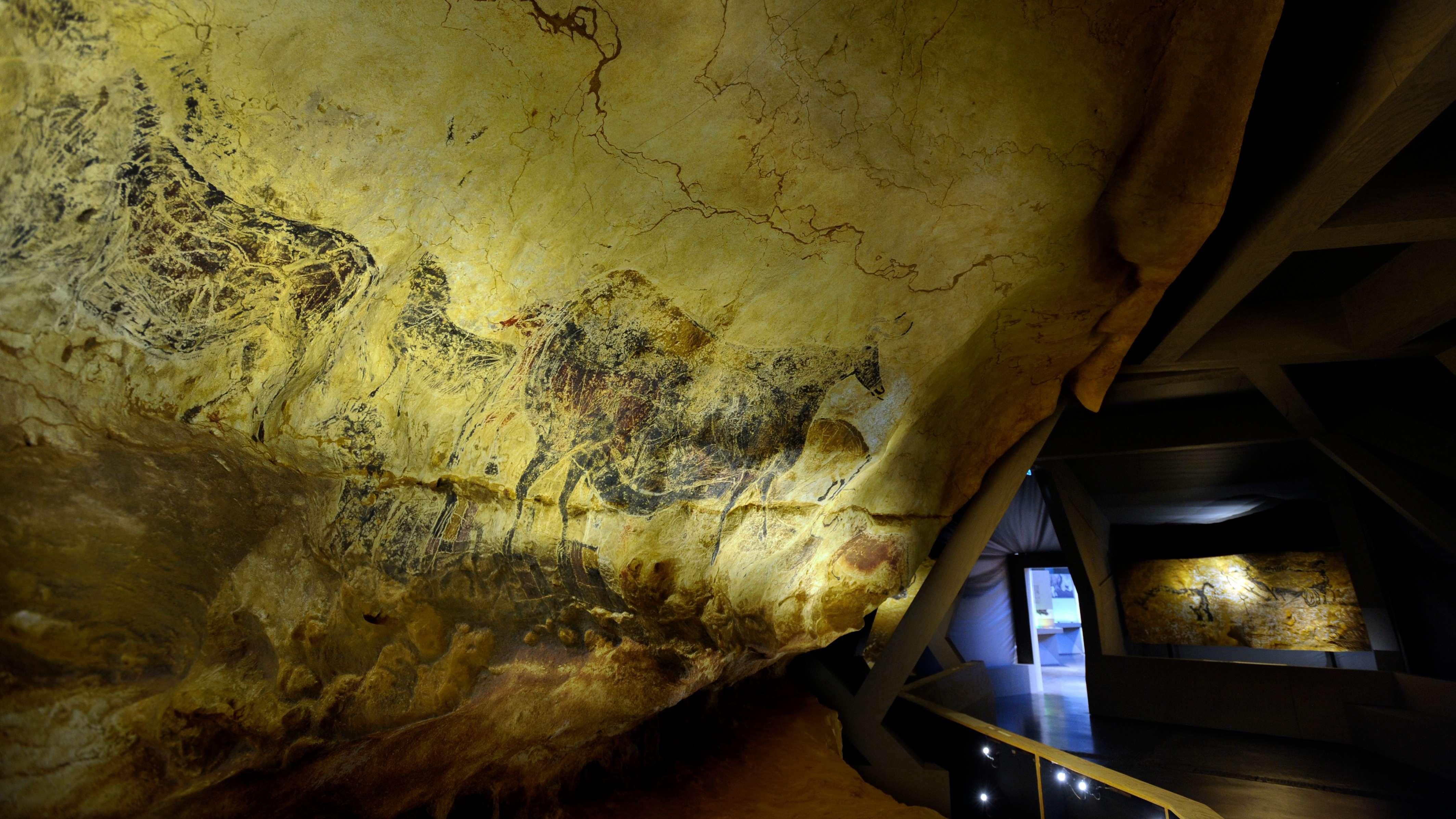 Teil der Ausstellung Lascaux III, der Wanderausstellung der steinzeitlichen Höhlenmalerei aus Frankreich.