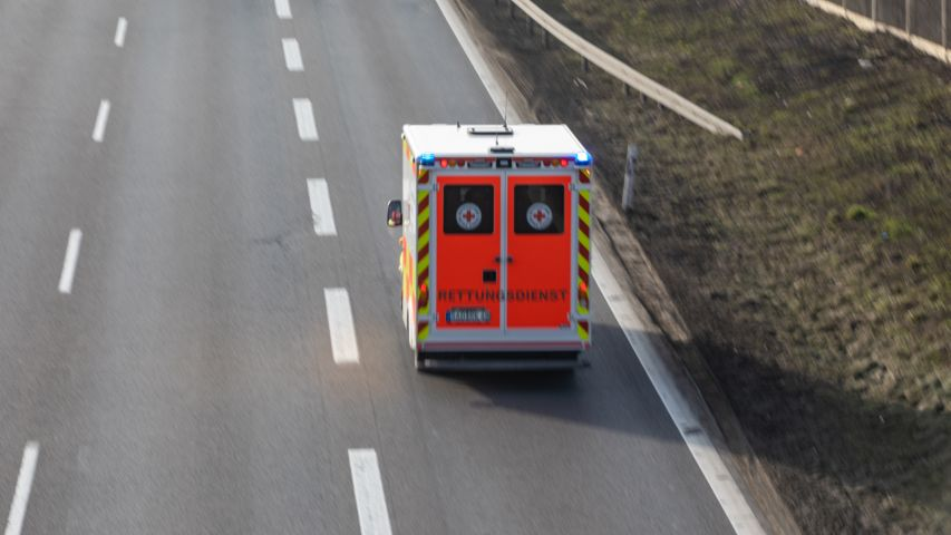 Rettungswagen auf der A3 (Archivbild)