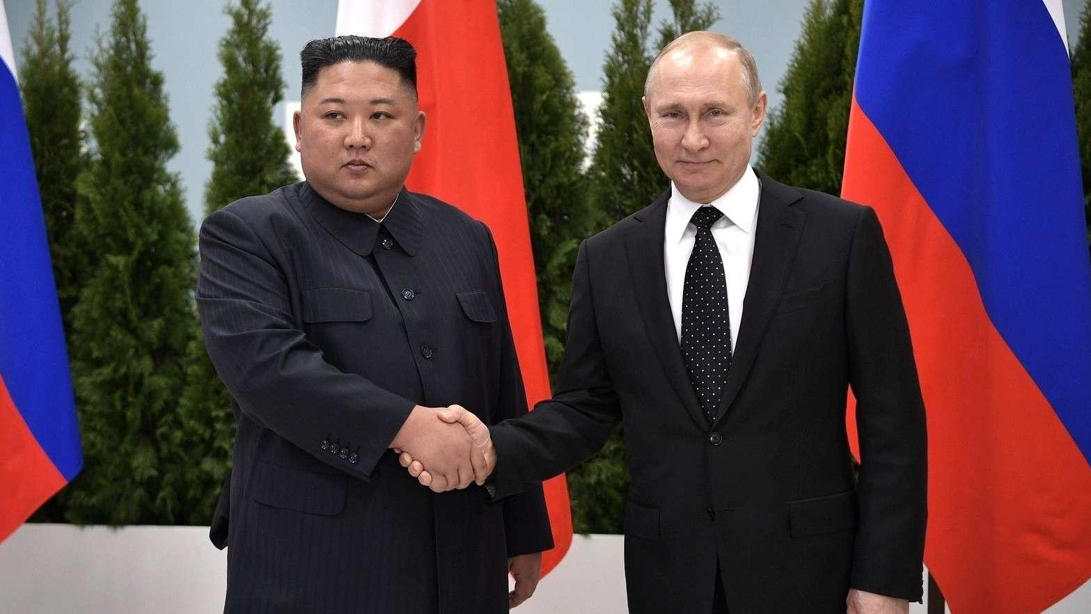 Wladimir Putin (r.) und Kim Jong Un