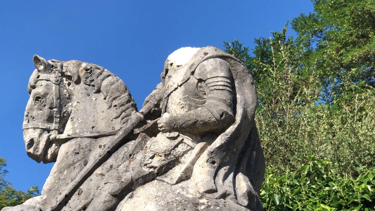 Das Kriegerdenkmal in Lappersdorf ist kopflos