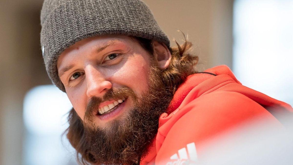 Eishockey Olympia-Held Pielmeier spielt wieder in Deggendorf