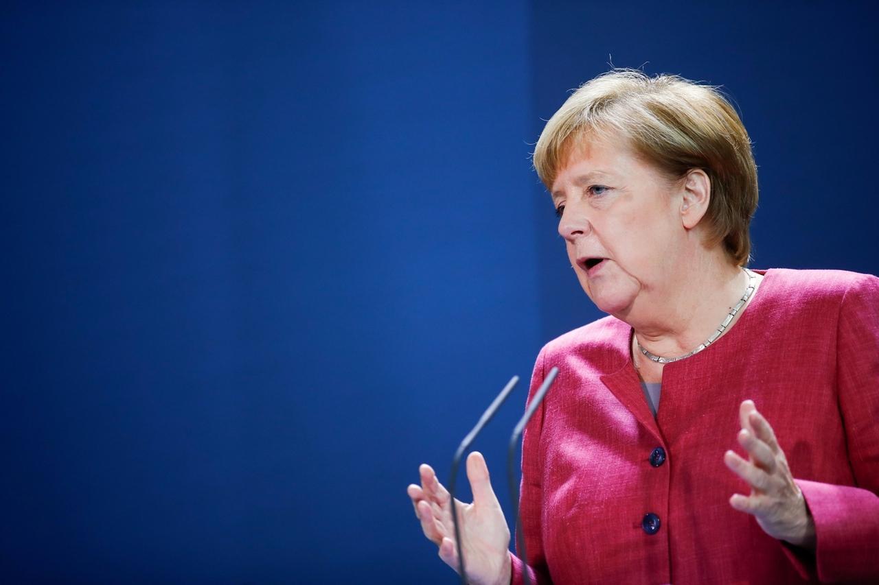 09.10.2020, Berlin: Bundeskanzlerin Angela Merkel gibt nach einer Videokonferenz mit Bürgermeistern großer deutscher Städte zu der Ausbreitung des Coronavirus in Deutschland eine Pressekonferenz. Foto: Axel Schmidt/Reuters Pool/dpa +++ dpa-Bildfunk +++