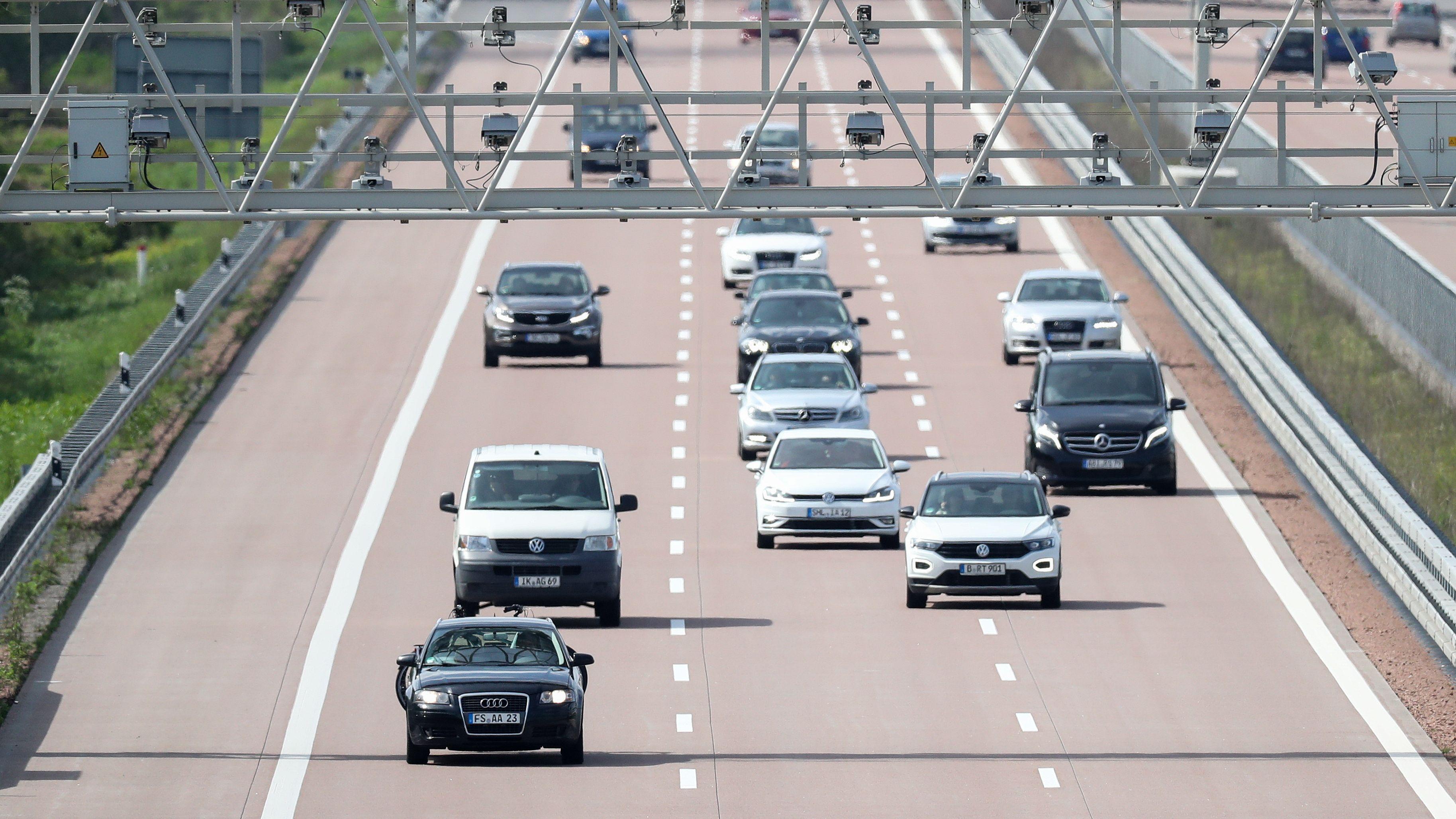 Mautbrücke auf deutscher Autobahn