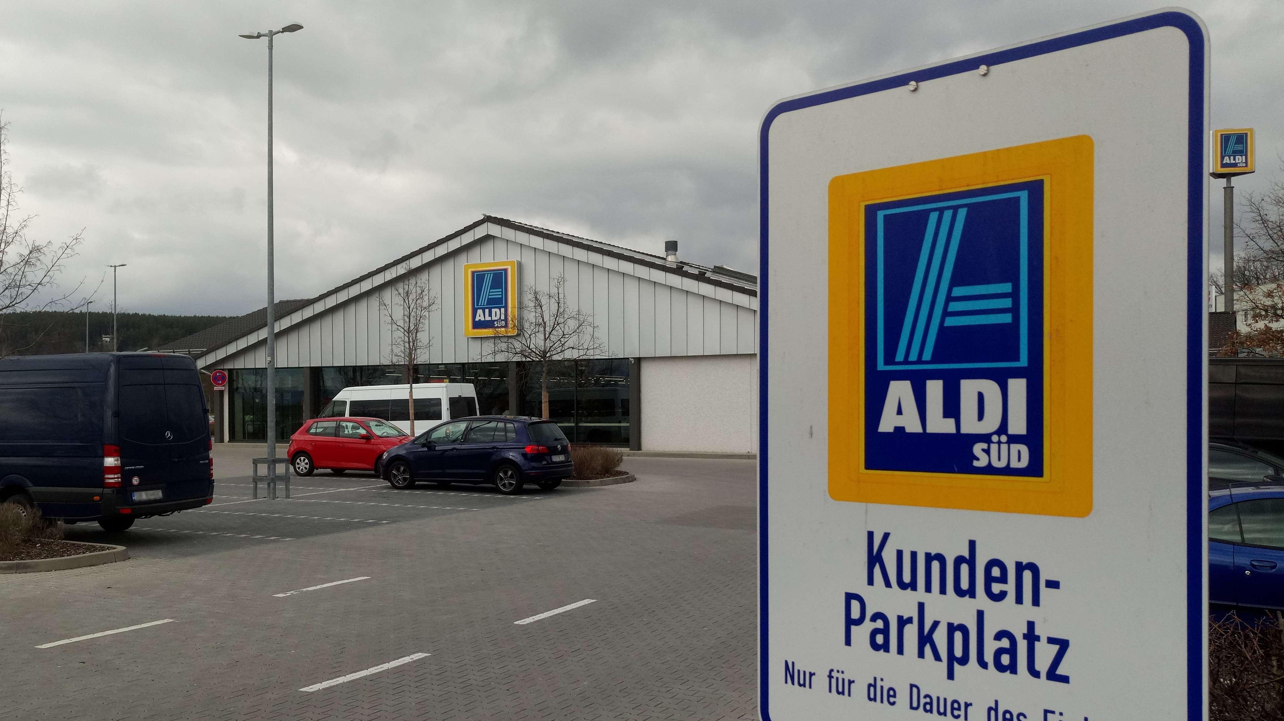 "Aldi-Filiale im Schwandorfer Handelsgebiet ""Am Brunnfeld"""