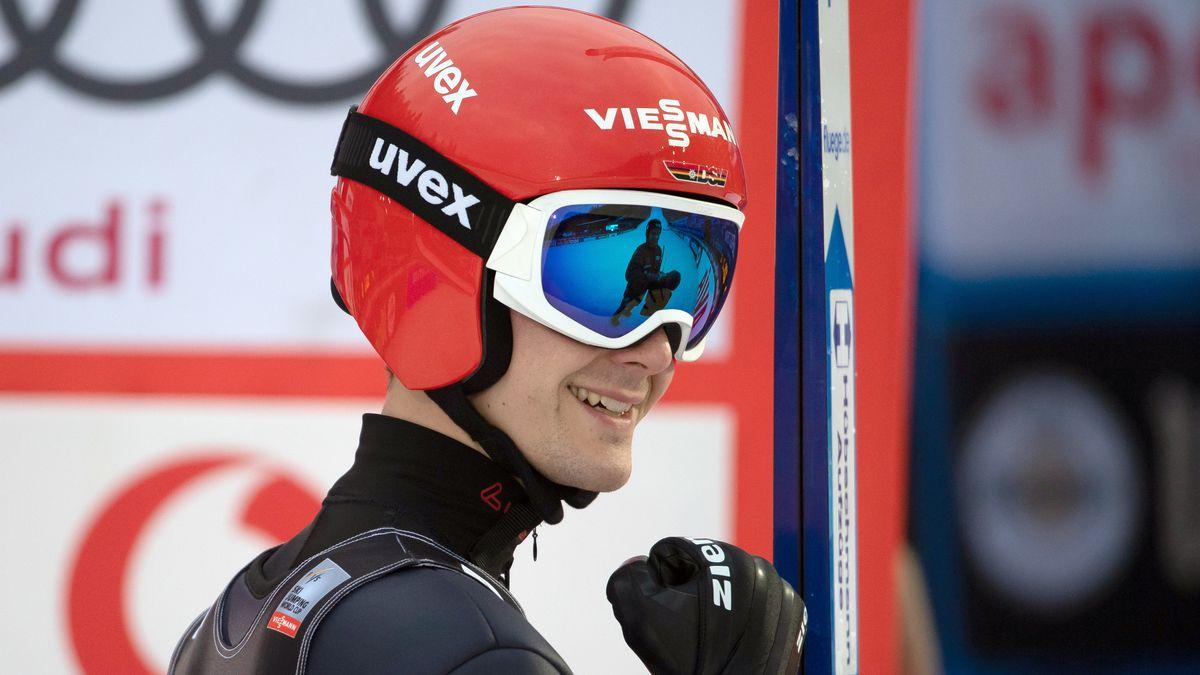 Stephan Leyhe jubelt über seinen Weltcupsieg.