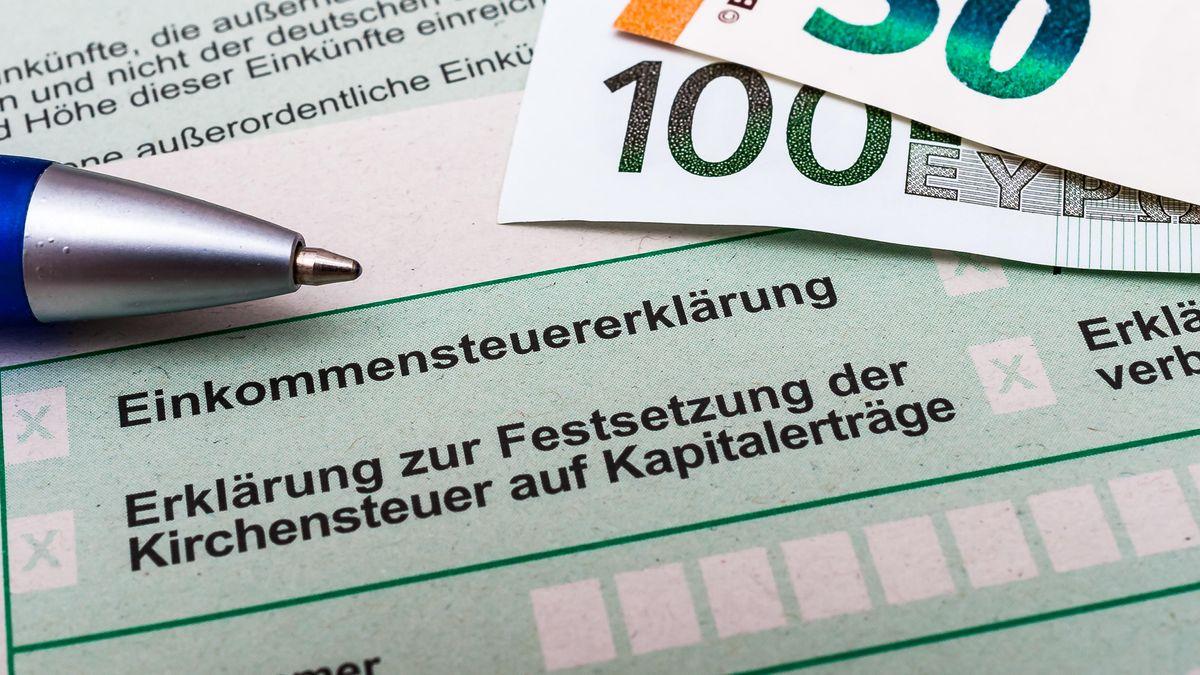 Einkommenesteuer-Formular
