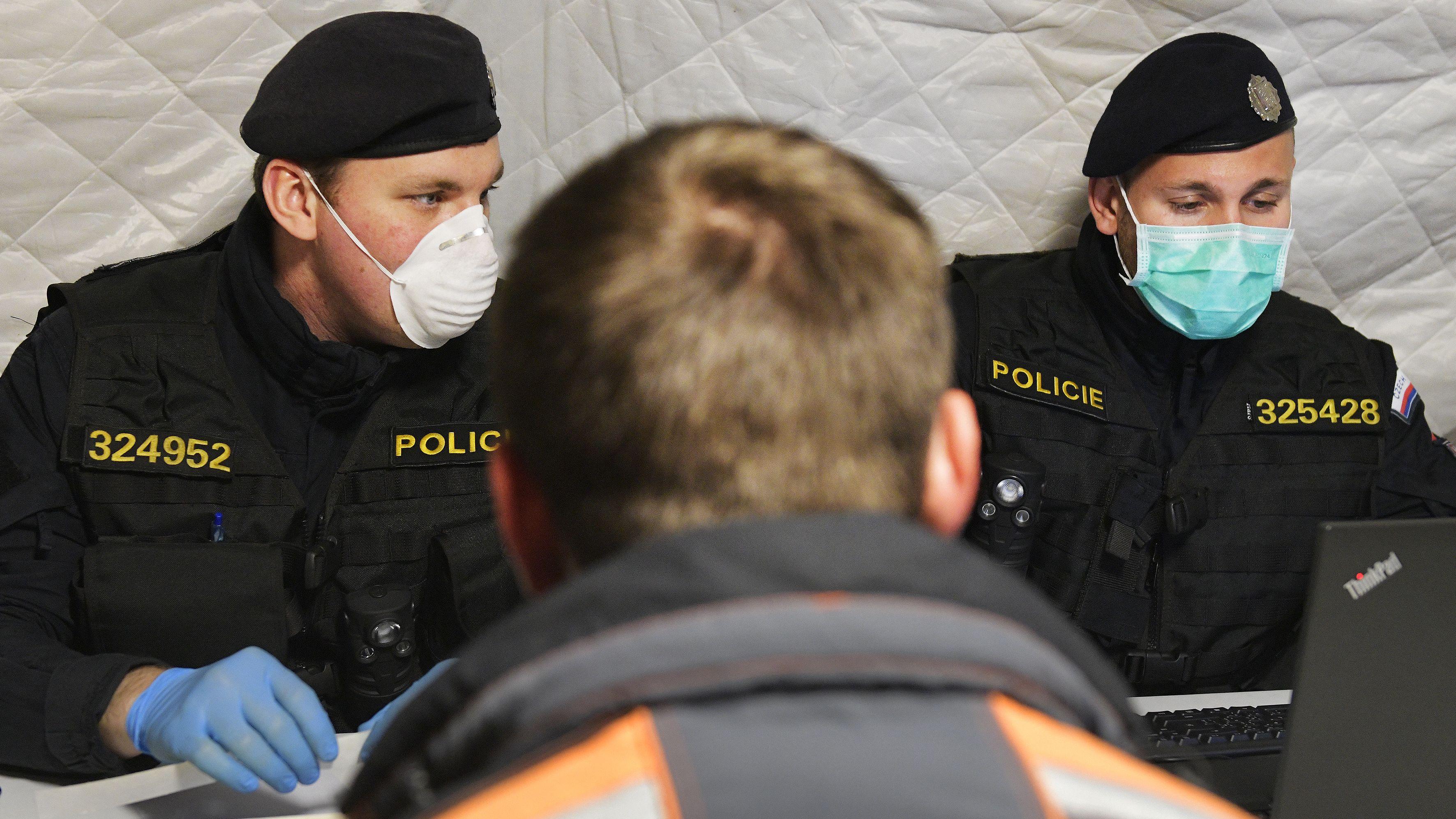 Grundlage für die Übung war ein fiktiver Erlass der tschechischen Regierung, schnellstmöglich den Grenzschutz herzustellen.