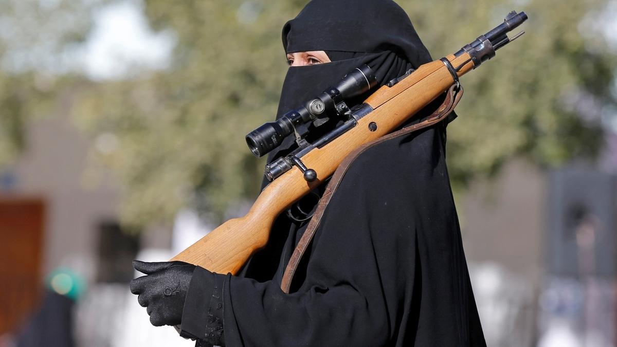 Dschihad Frauen Kalaschnikow