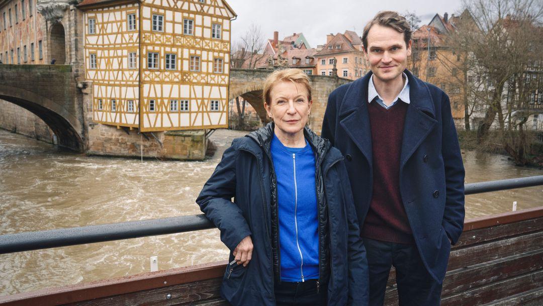 Die Schauspieler Dagmar Manzel und Fabian Hinrichs bei den Dreharbeiten in Bamberg.