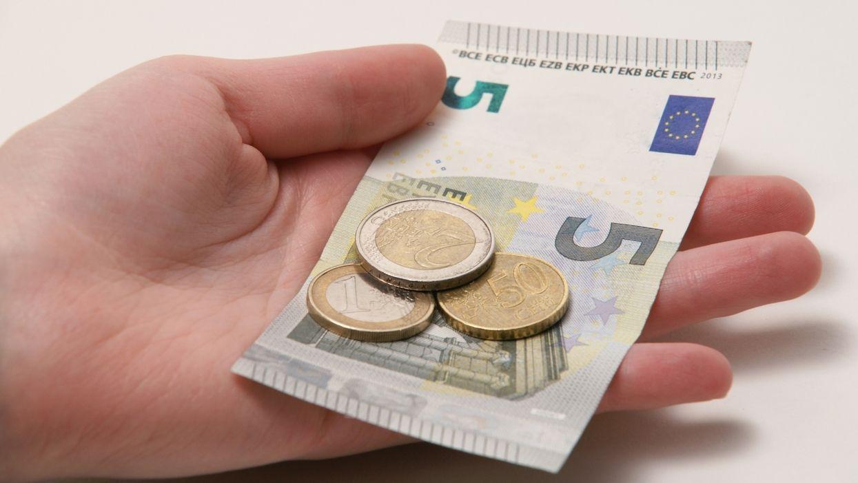 Derzeit liegt der Mindestlohn in Deutschland bei 9,19 Euro pro Stunde.
