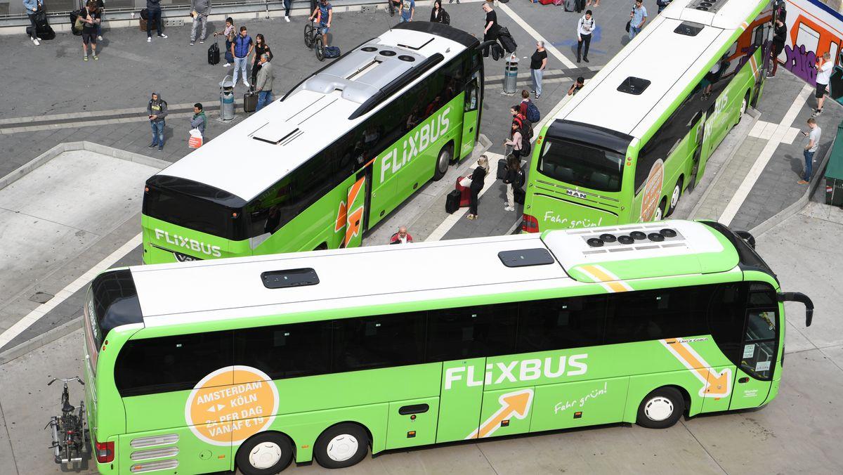Busse des Unternehmens Flixbus