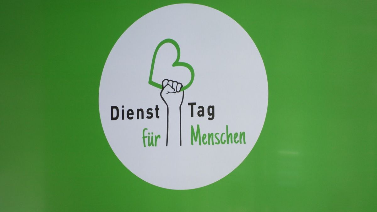 Dienst-Tag für Menschen, das Motto der Demonstrationen von Pflegekräften in Würzburg