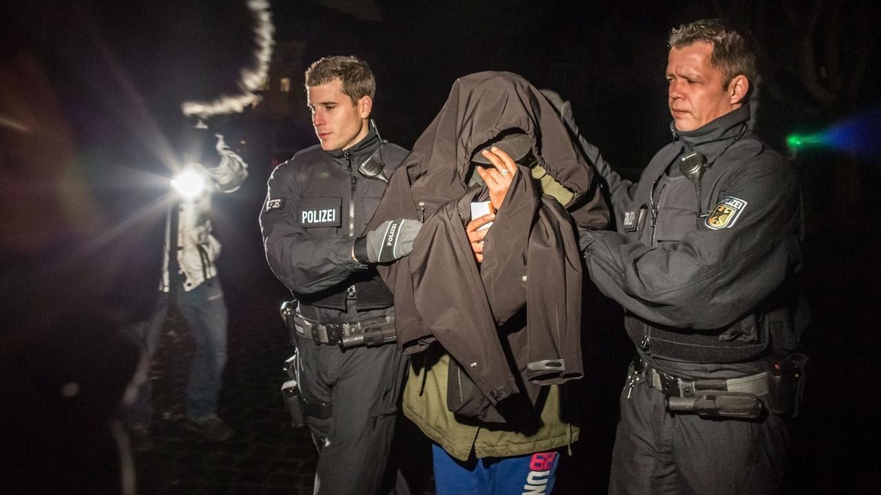 Bundespolizei nimmt Schleuser fest (Symbolbild)