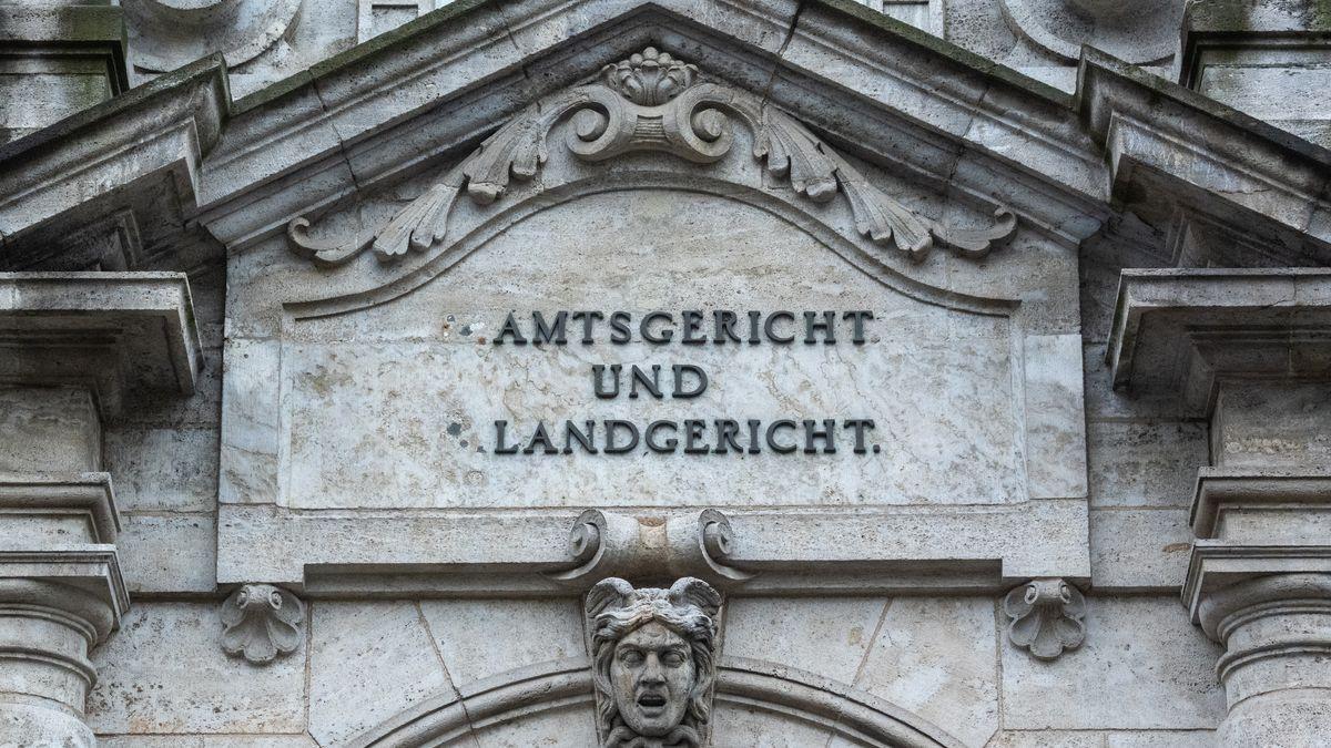 Das Landgericht Regensburg beschränkt sich wegen den Corona Notfalls jetzt auf dringende Verfahren.