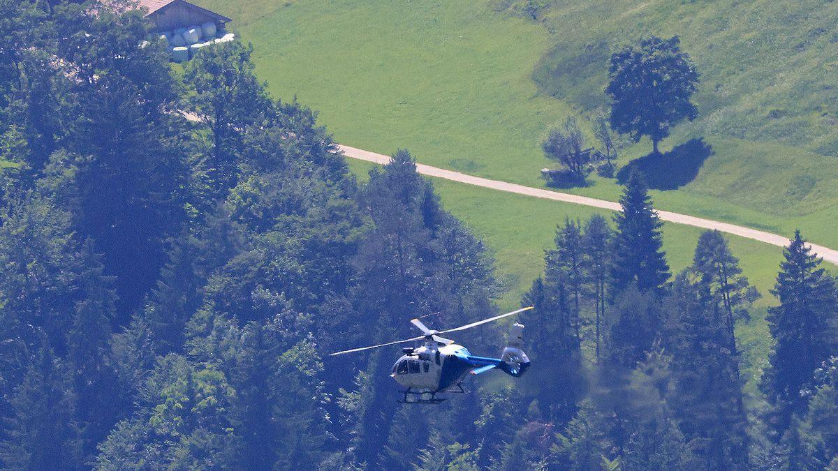 Hubschrauber im Einsatz bei Suche nach den Verunglückten