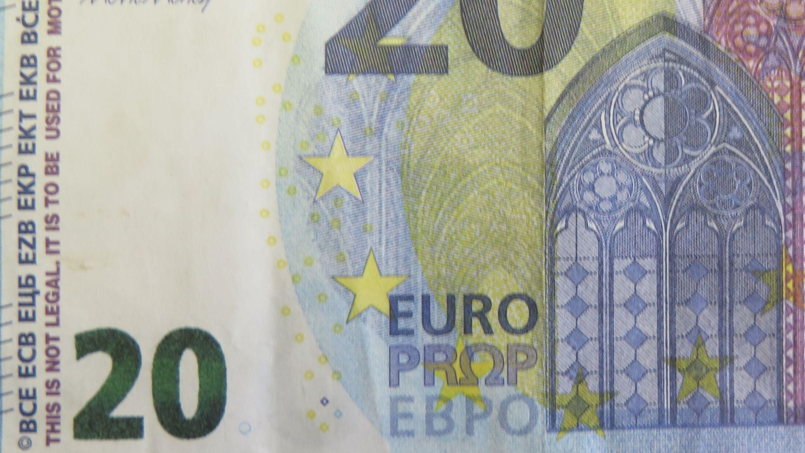 """Ein 20-Euro-Requisiten-Schein – am linken Rand als Filmrequisite gekennzeichnet """"IT IS TO BE USE FOR MOTION PROPS"""""""