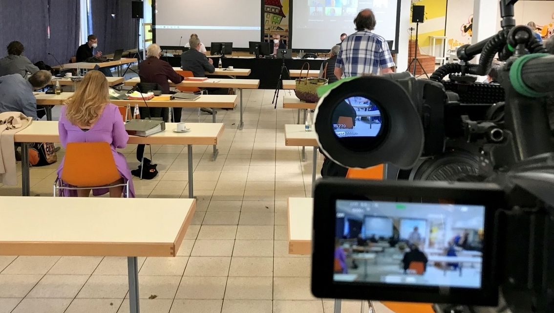 Der Forchheimer Stadtrat tagt hybrid. Die Sitzung wird für Räte, die nicht vor Ort dabei sein können, online übertragen.