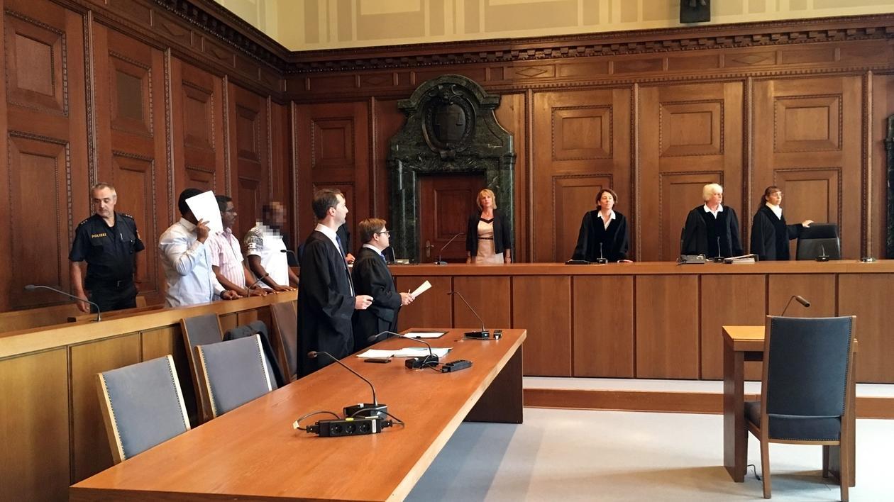 Angeklagte vor Gericht