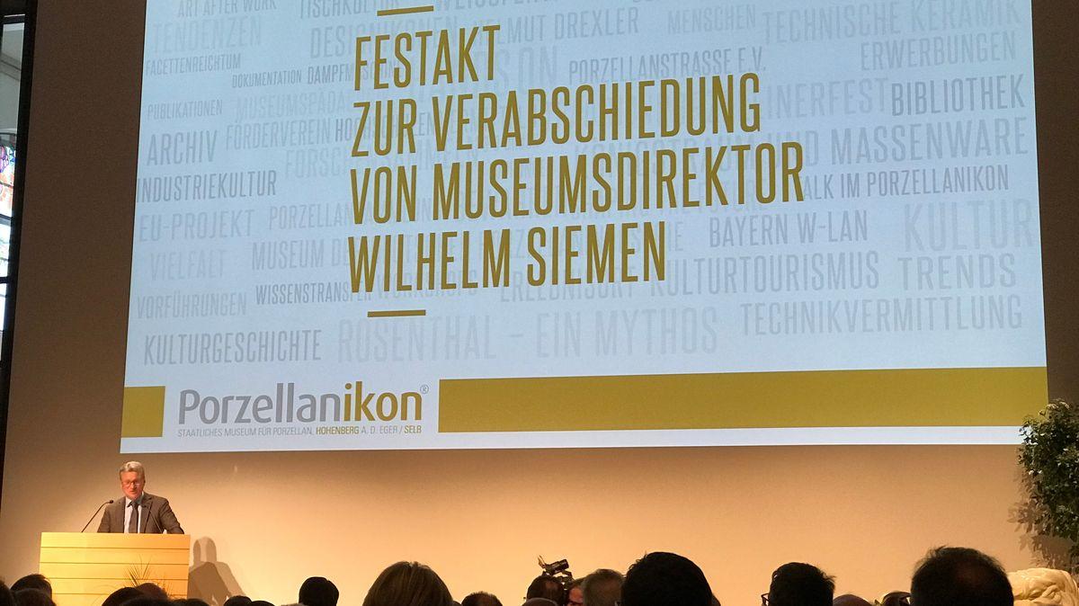 Während des Festakts zur Verabschiedung von Museumsdirektor Wilhelm Siemen hält Bayerns Wissenschaftsminister Bernd Sibler (CSU) eine Ansprache.