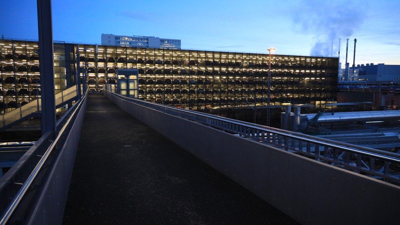 Bahnübergang zum Audiwerk