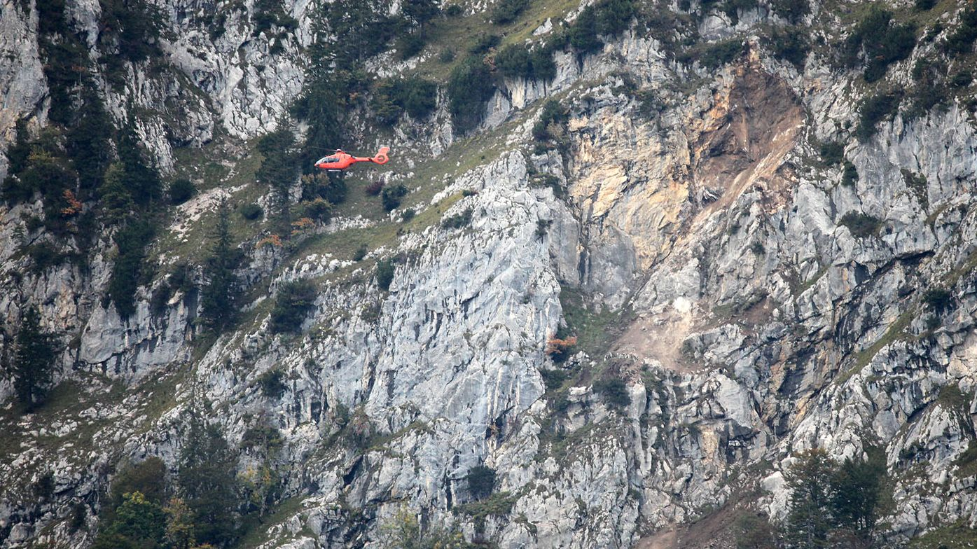 Felssturz am Hochstaufen - Hubschrauber sucht nach Opfern