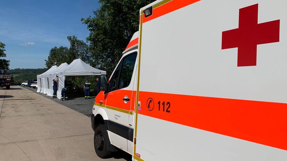 Das BRK half unter anderem an der Teststation an der A3 bei Passau | Bild:BR/Martin Gruber