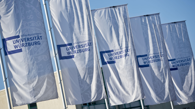 Fahnen an der Universität Würzburg