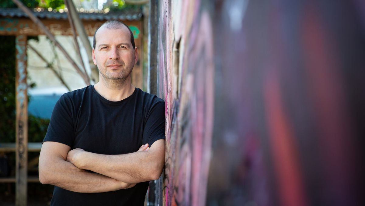 Porträt des franko-kanadischen Autors Éric Plamondon