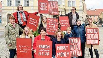 """Anfang 2019: Die Initiative """"Money, Money, Money – Frauen verdienen mehr"""" in Ingolstadt"""