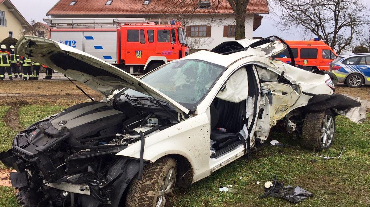 Unfall am Ortsausgang von Forstinning