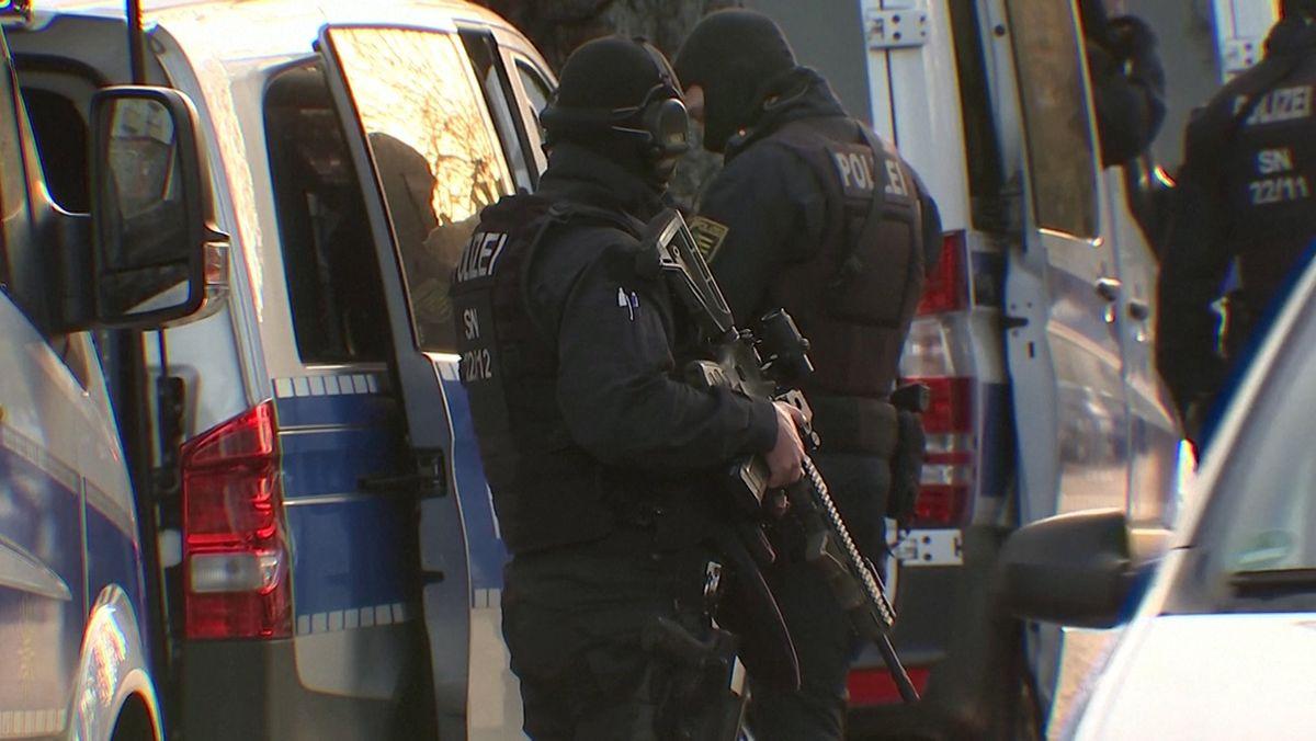 Polizisten bei dem Einsatz in Berlin