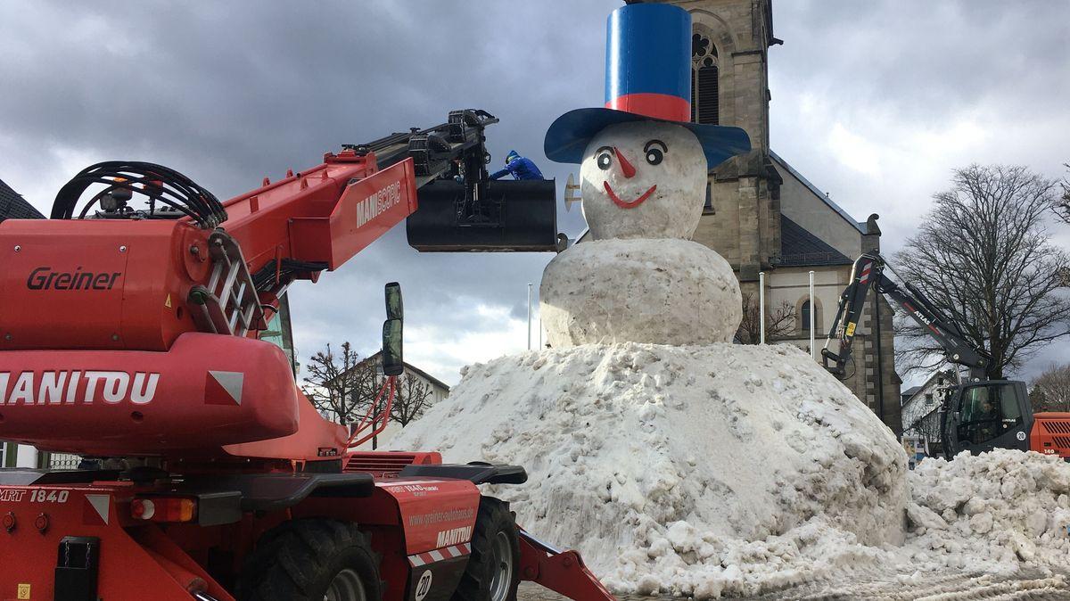 Riesen-Schneemann Jakob war 2020 9,50 Meter groß