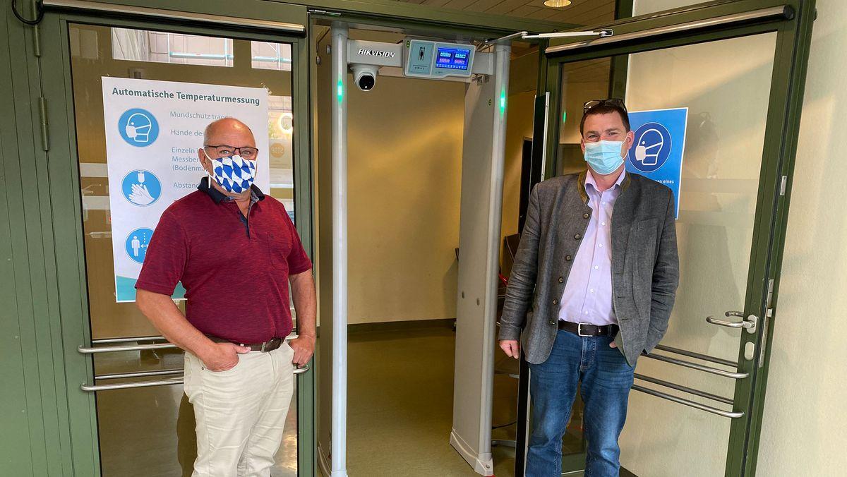 Die Initiatoren der Anschaffung arbeiten beide am InnKlinikum Altötting: Hubert Vigl, EDV-Leiter und Oliver Keller, Standortleiter.