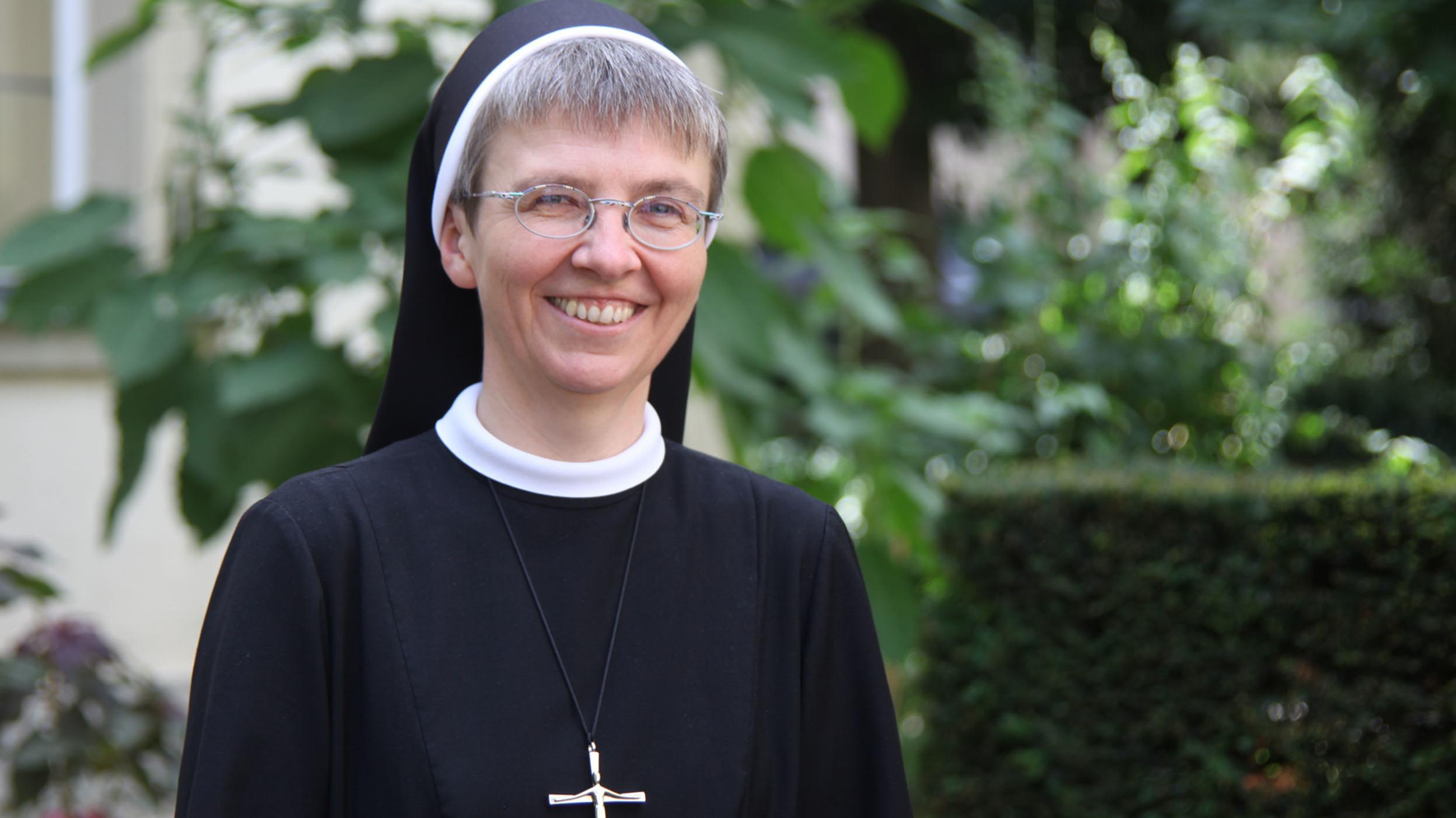 Monika Edinger, Generaloberin der Erlöserschwestern