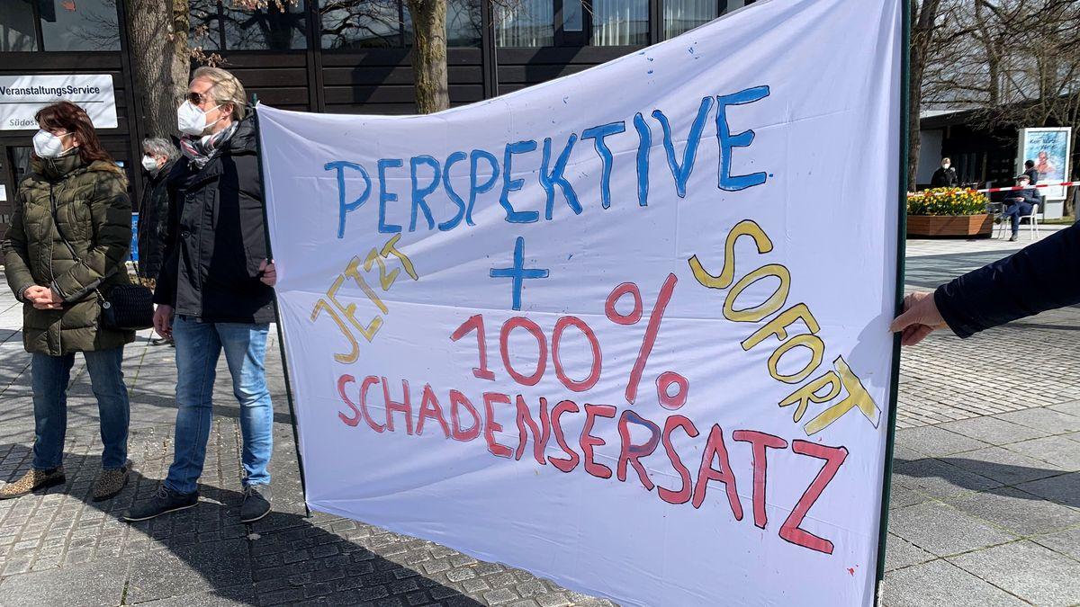 Kundgebung auf dem Kurplatz in Bad Füssing