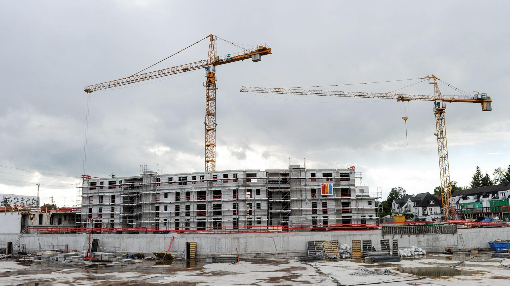 Eine Baustelle für ein Wohnhaus in München.