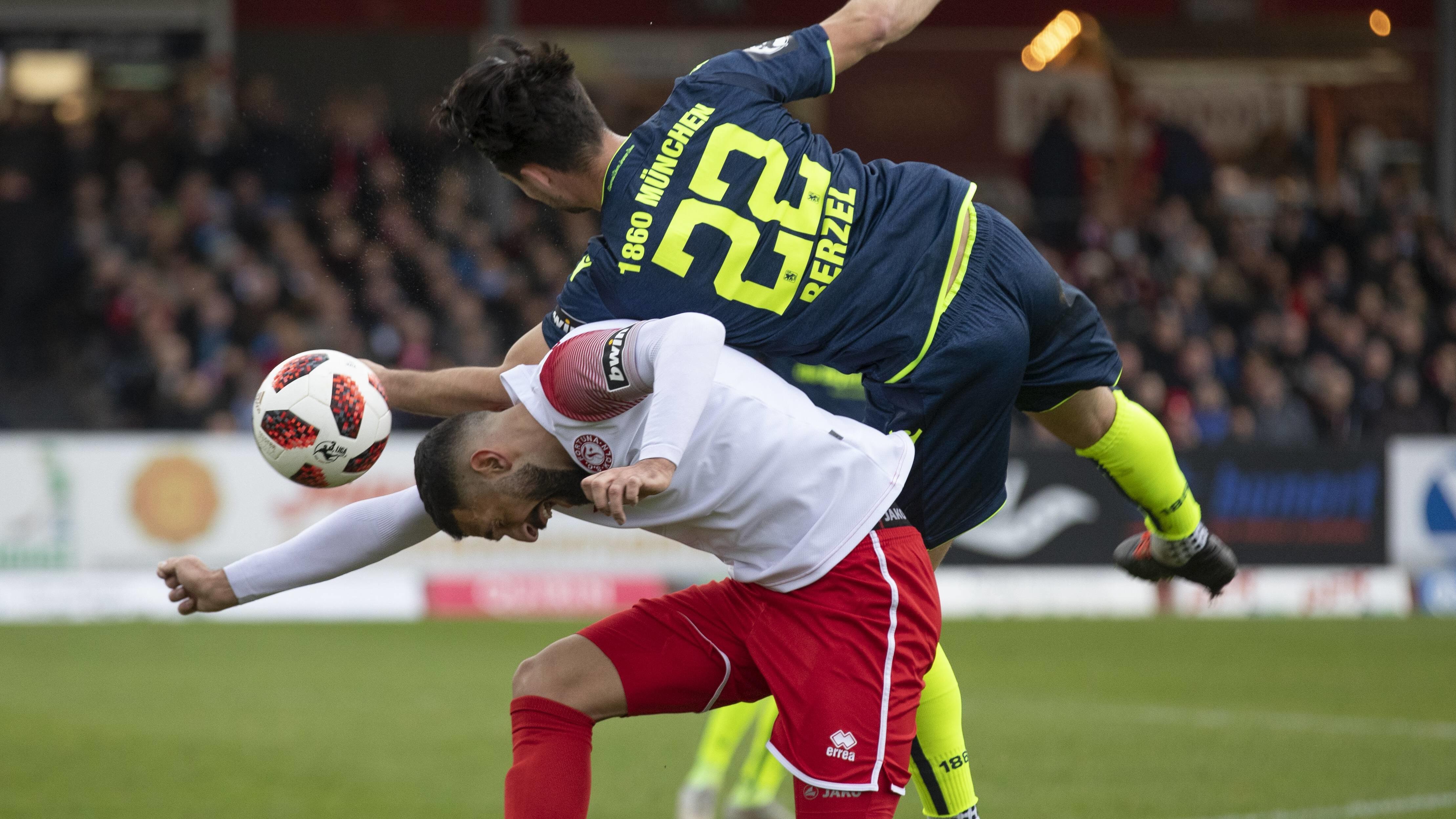Spielszene Fortuna Köln - TSV 1860 München