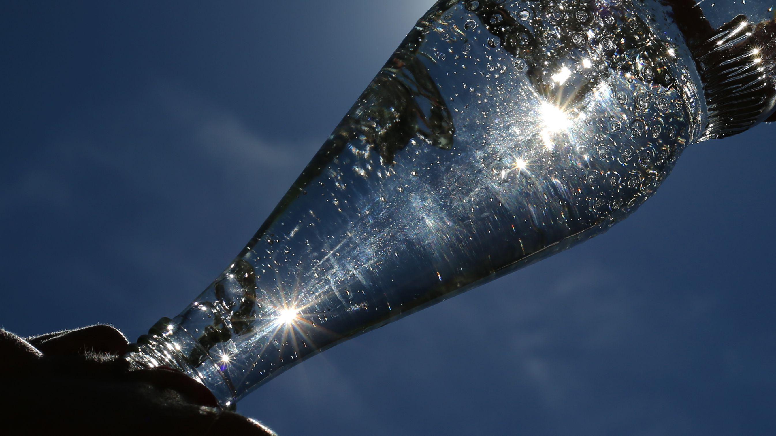 Mineralswasser als Alltagshelfer in Küche und Bad. (Symbolfoto)