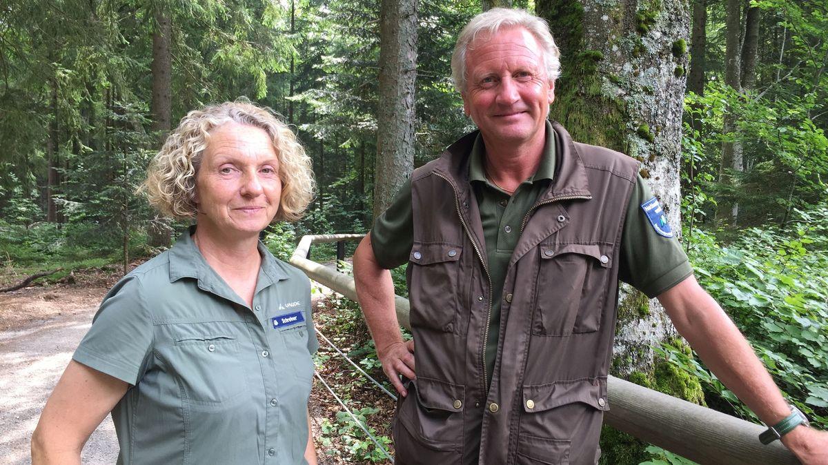 Die Nationalpark-Ranger Brigitte Schreiner und Lothar Mies