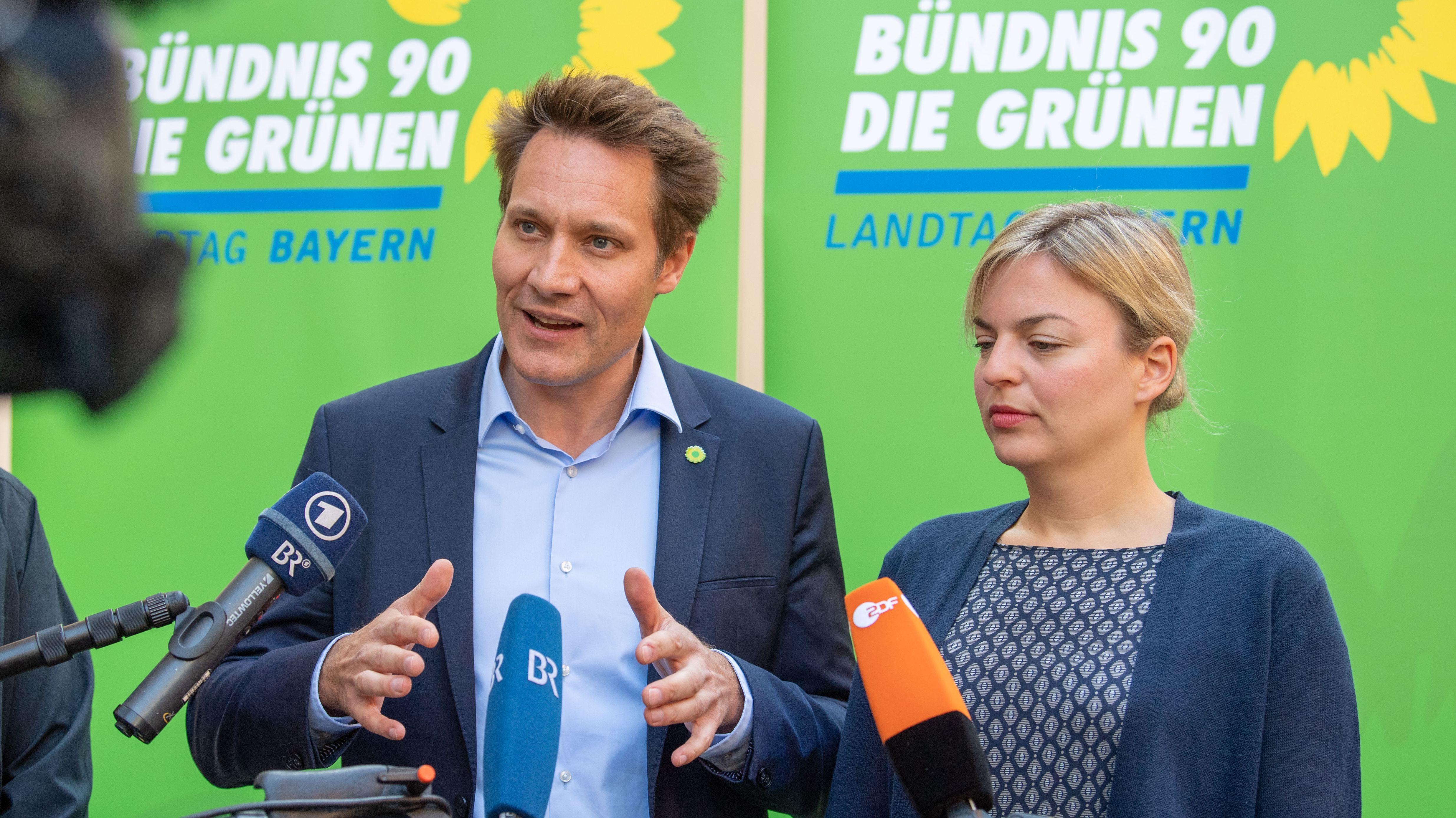 Die bayerischen Grünen-Fraktionschefs Ludwig Hartmann (l.) und Katharina Schulze, aufgenommen im Oktober 2018.