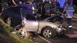 Ein 44-jähriger Autofahrer hat mit einem gefährlichen Überholmanöver zwischen Weidenberg und Bayreuth einen schweren Unfall verursacht.    Bild:News5