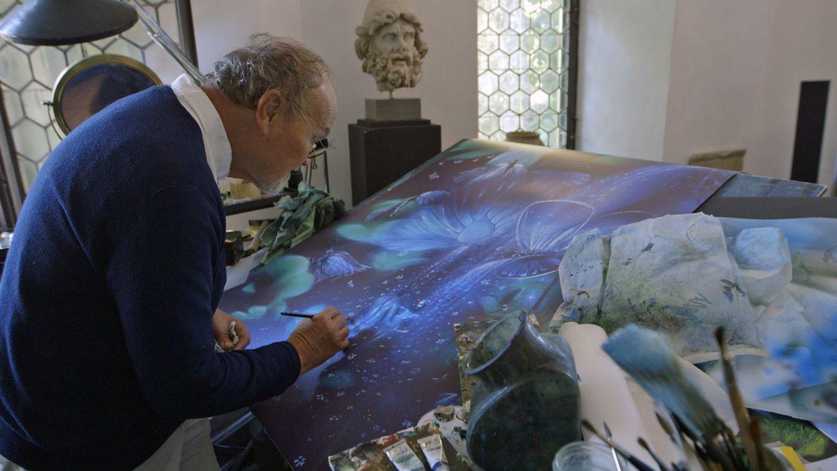 Der Künstler Friedrich Hechelmann bei der Arbeit