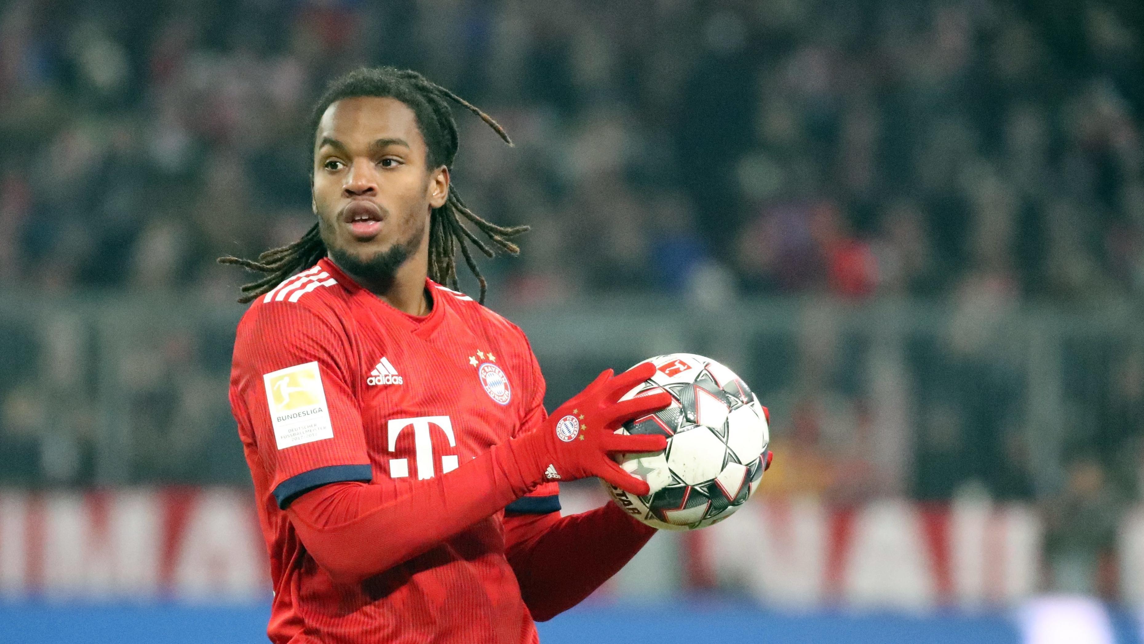 Bayern-Profi Renato Sanches beim Einwurf